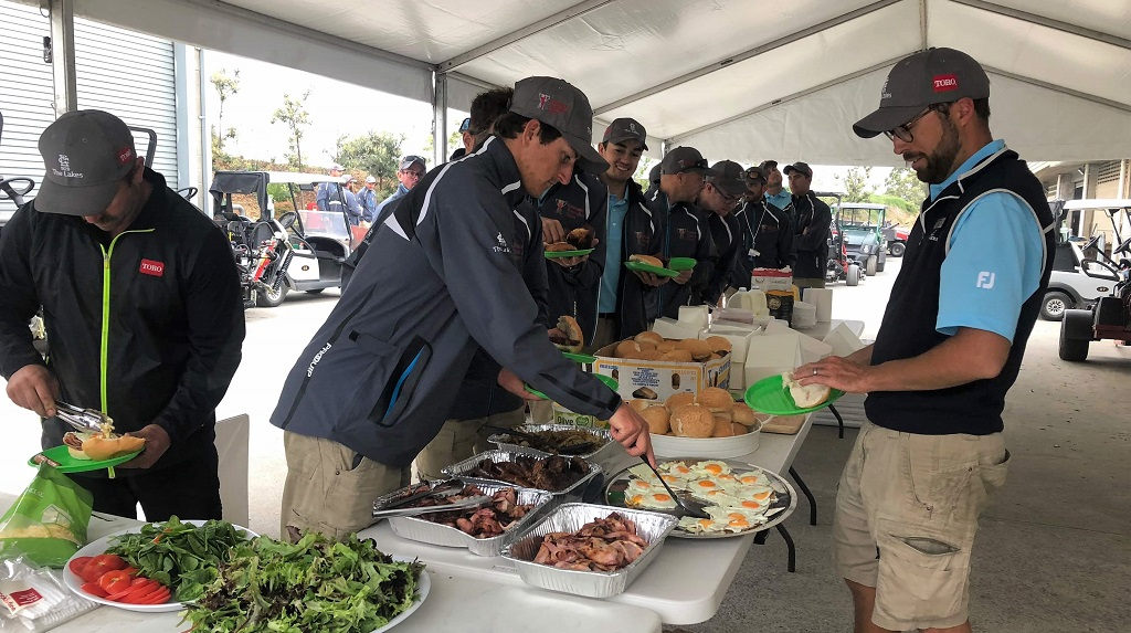 AusGolfOpen2018 Syngenta serves breakfast for greenskeepers 2
